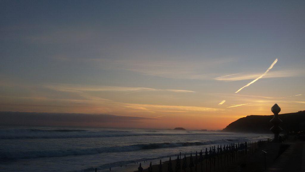 Atlantyk przed wschodem słońca